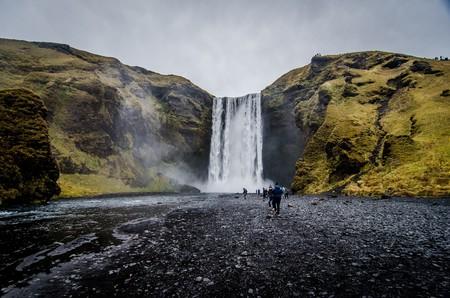 ¿Se puede frenar el turismo masivo? Islandia ya sabe que sí, pero el precio a pagar es una recesión