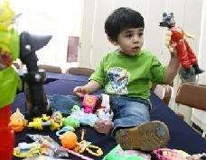 Siguen existiendo juguetes que pueden ocasionar daños en el oído de los niños
