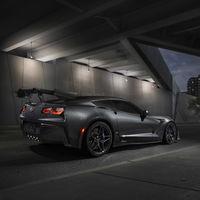 ¡Dracarys! El Chevrolet Corvette ZR1 escupiendo fuego en aceleración es lo más bruto que te vas a encontrar