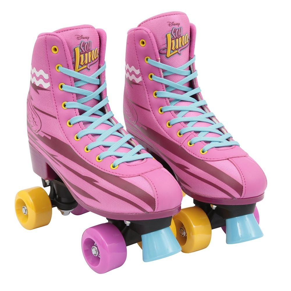 clon Júnior Foto  Los patines de cuatro ruedas de