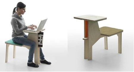 Mesa con taburete para trabajar y silla para relajarse for Sillas comodas para trabajar