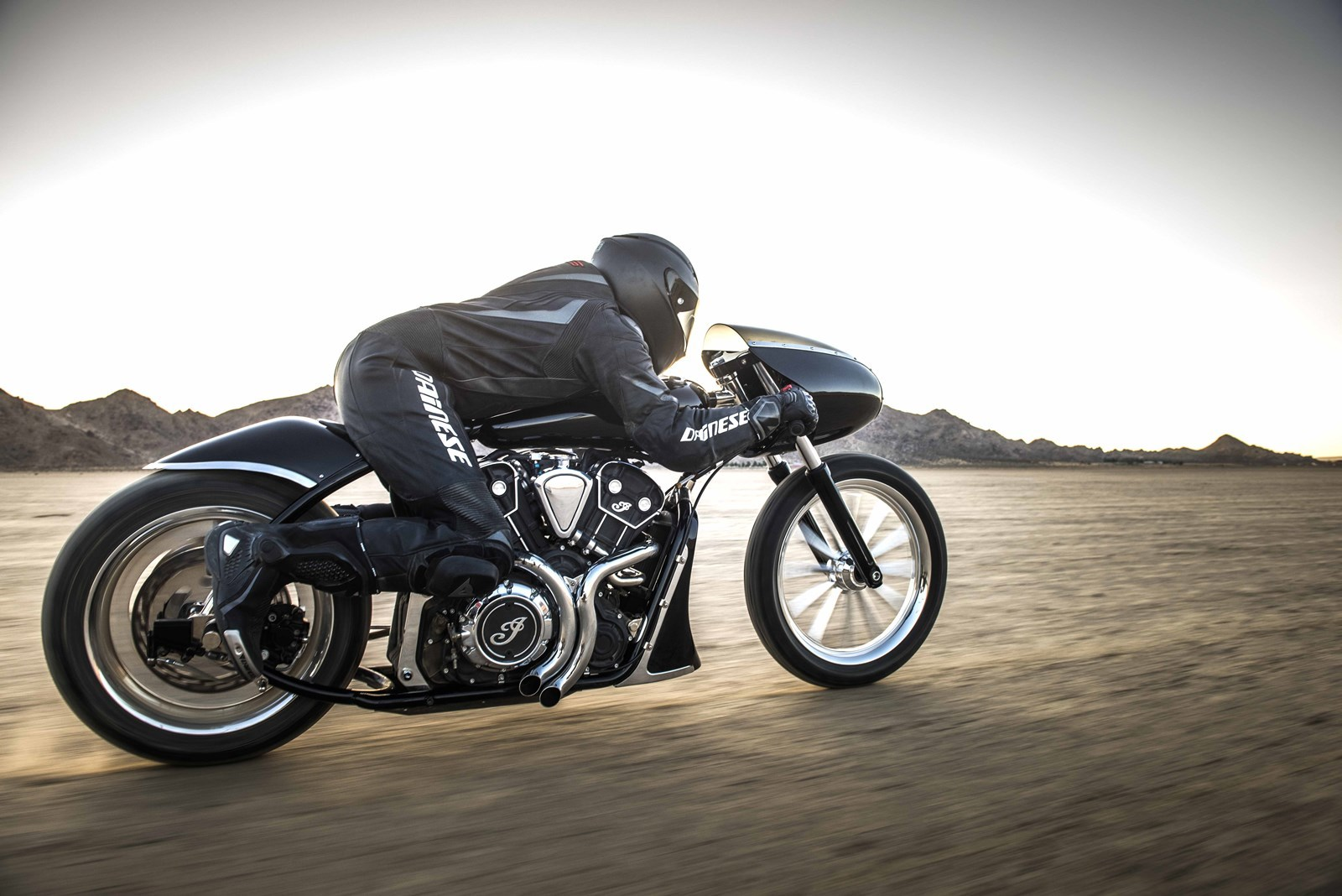 Foto de Indian Black Bullet Scout (1/27)