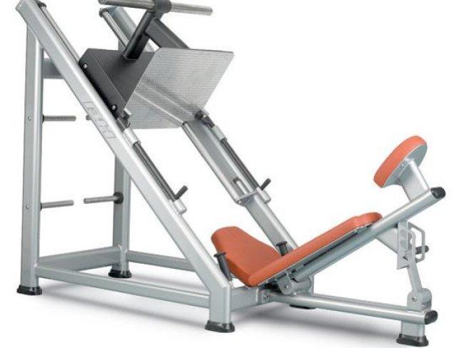 Prensa mejor que sentadillas para trabajar las piernas sin for Maquinas de ejercicios