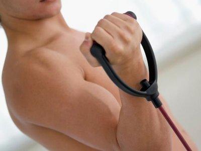 19 ejercicios que puedes hacer con una banda elástica