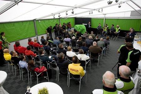 Presentación de Kawasaki ZX10R en sociedad
