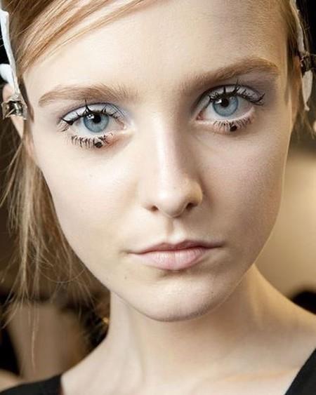 ¿Aceptamos la moda del Dot Eyeliner?