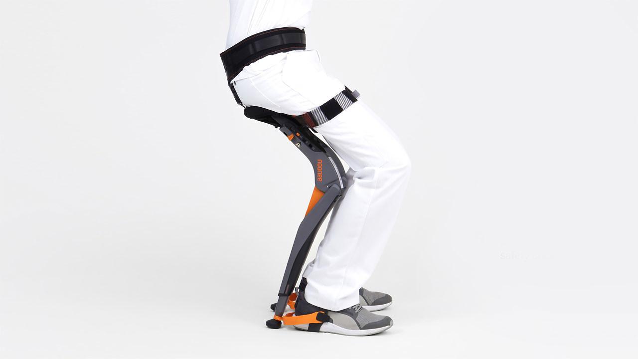 Una silla sin silla: así se define este wearable-exoesqueleto que permite que te sientes en cualquier lugar