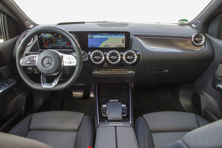 Mercedes-Benz Clase B interior