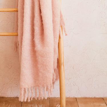 Las 17 mantas más adorables para esas tardes de peli y sofá en otoño