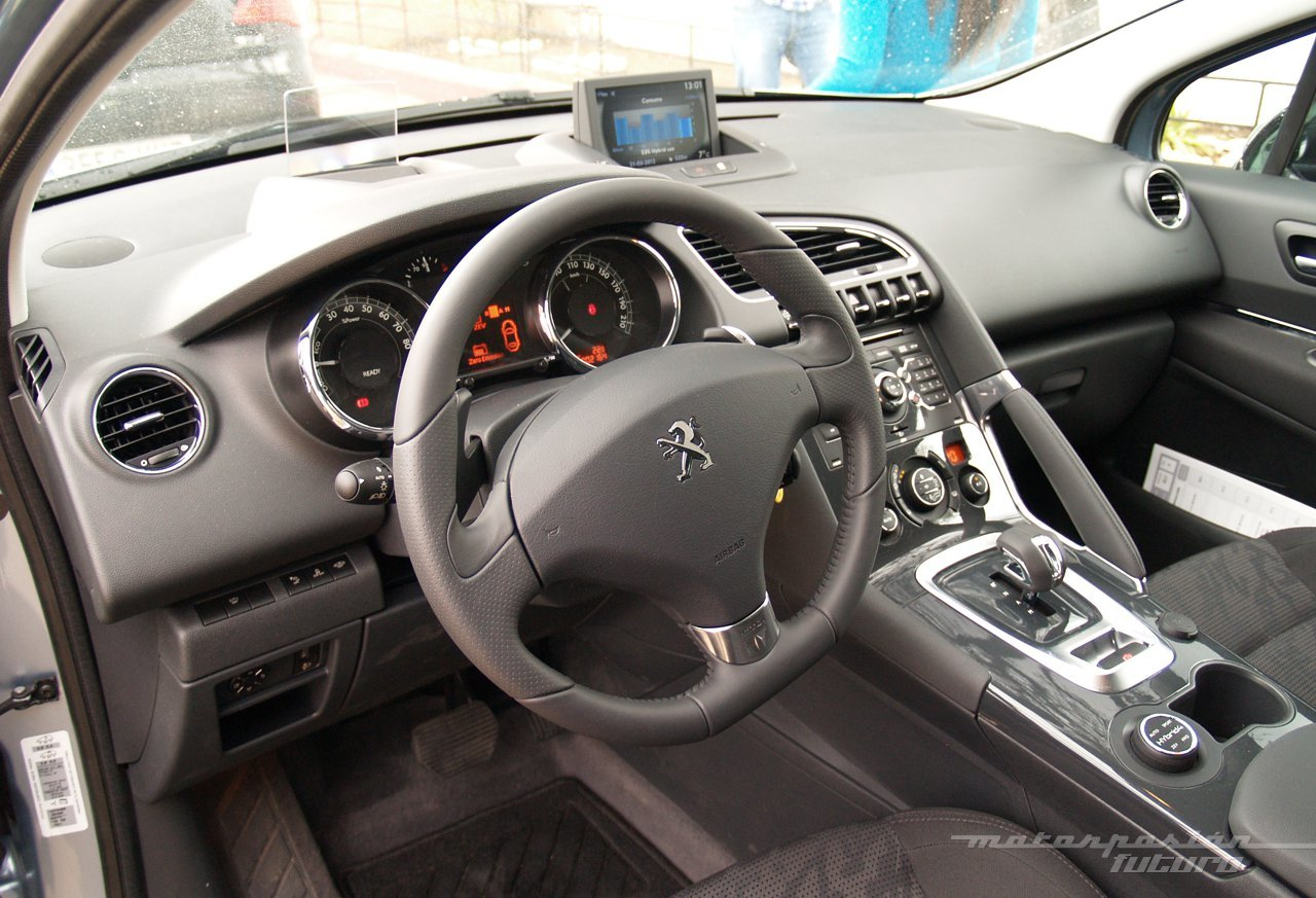 Foto de Peugeot 3008 HYbrid4 (presentación) (6/20)