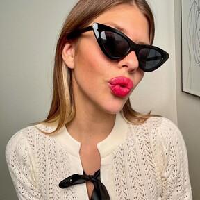 Cinco labiales fucsia con mucho gloss para copiarle el maquillaje más guay del otoño a Anita Matamoros