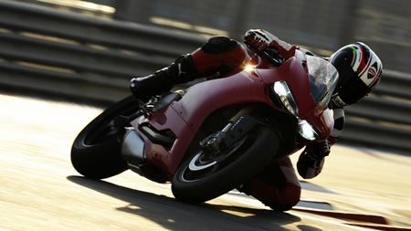 Ducati 1199 S Panigale, el primer contacto de la prensa internacional