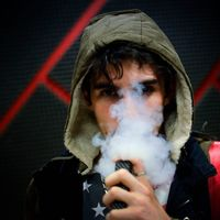 """En los últimos días se habla de una """"misteriosa enfermedad pulmonar"""" relacionada con el cigarrillo electrónico: lo que sabemos"""