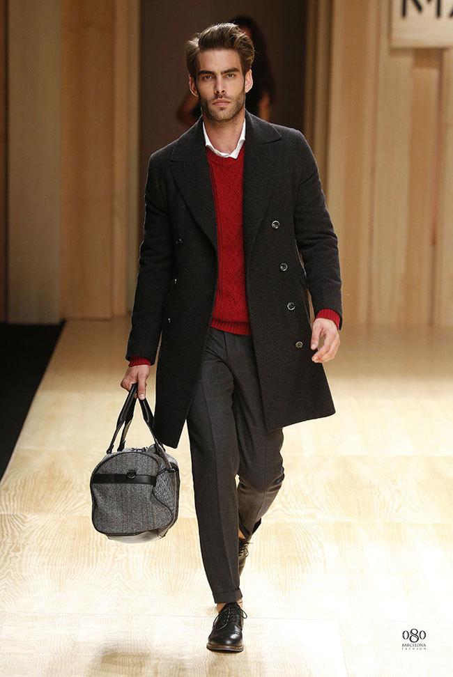 Foto de Mango abre la 080 Barcelona Fashion con su colección Otoño-Invierno 2014 y Toni Garrn (19/41)