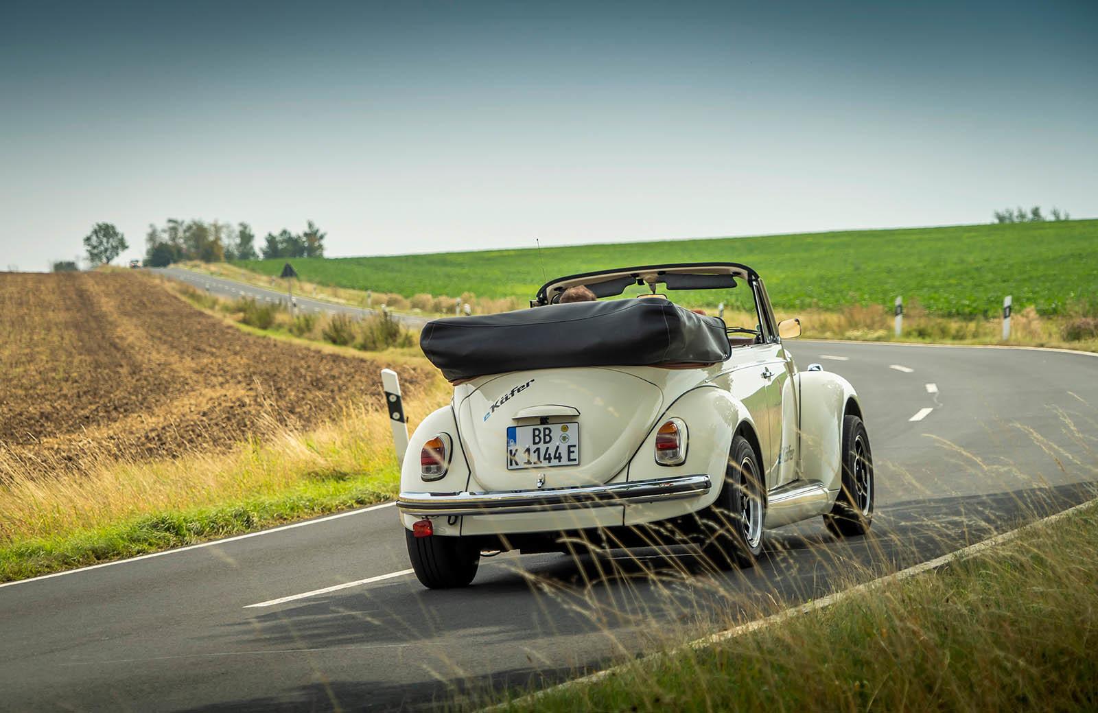 Foto de Volkswagen e-Beetle (16/19)