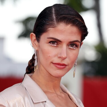 El sorprendente maquillaje de Stephanie Cayo en la alfombra roja del Festival de Málaga 2021: un delineado de ojos de lo más brillante