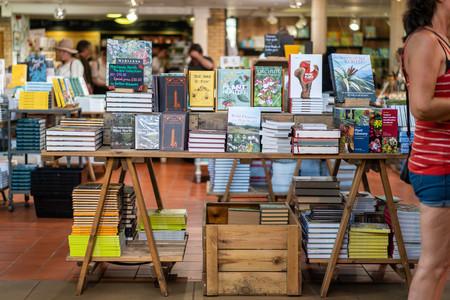 La resistencia de lo físico: las ventas de libros y vinilos gozan de una feliz segunda juventud