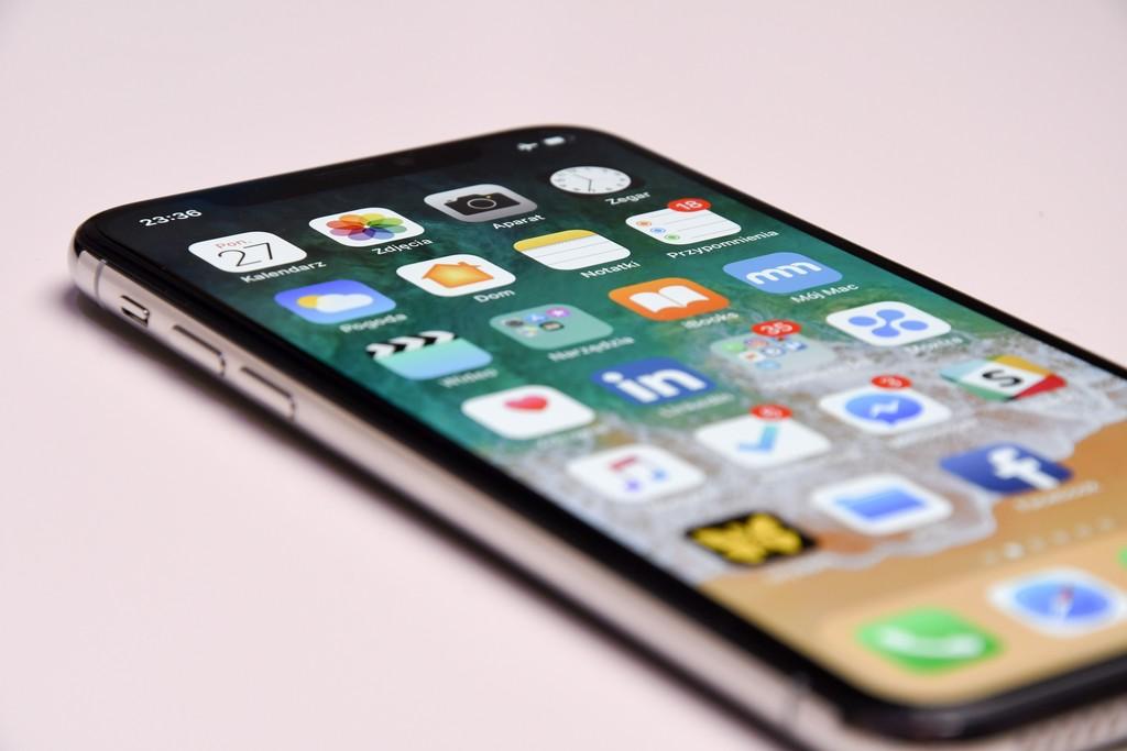 Los iPhone de 2020 tendrían un notch más pequeño y los de 2021 lo eliminarían, según analistas