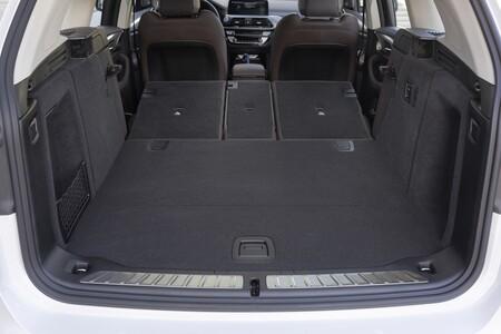 BMW iX3 Prueba maletero