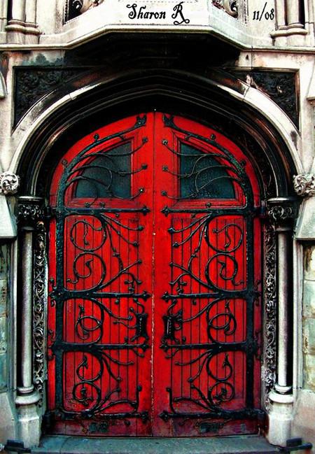 Clasica Puerta Roja 04