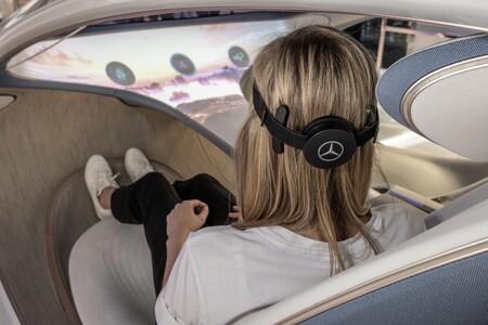 Un Mercedes controlado con la mente: el espectacular prototipo AVTR ahora viene con una interfaz cerebro-ordenador