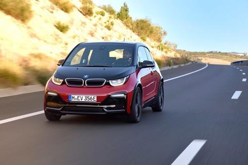 BMW i3s, a prueba: el EV que abre camino a un futuro con hot-hatches eléctricos