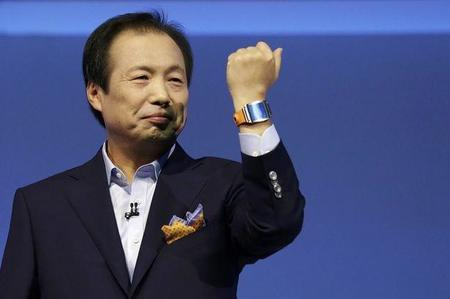 Samsung presenta el Gear 2 un reloj a prueba de todo
