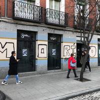 """""""Moríos, modernos"""": el vandalismo en Lavapiés contra los negocios acusados de gentrificación"""