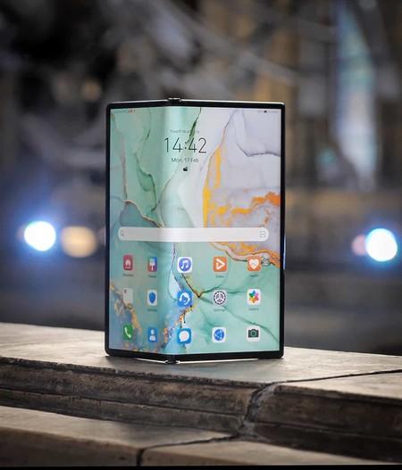 Huawei tira la casa por la ventana con un nuevo móvil plegable que saldrá a la venta en marzo y será el mas caro del mercado