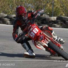 Foto 14 de 63 de la galería albaida-despide-el-campeonato-de-espana-de-supermotard-2011 en Motorpasion Moto