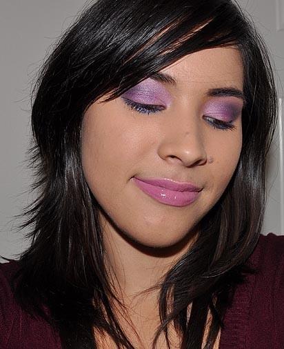 Look de fiesta, ojos en rosa y morado