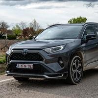 Nuevo Toyota RAV4 Plug-in: la versión más potente de la historia del SUV es 12.000 euros más cara que el híbrido