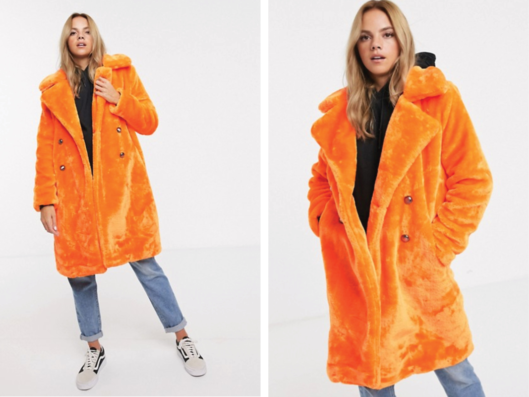Abrigo midi de piel sintética naranja neón con detalle de doble botonadura de QED London