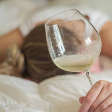Tips para que, si sales de fiesta y bebes, mañana no tengas mucha cruda