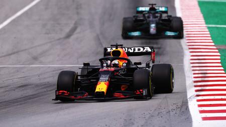 La igualdad en la Fórmula 1 corre peligro: la FIA investiga el alerón trasero de Red Bull por petición de Mercedes