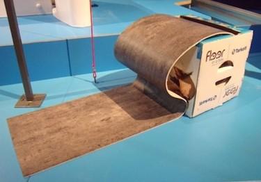 Hazlo tu mismo: coloca el suelo autoadhesivo que se vende en cajas