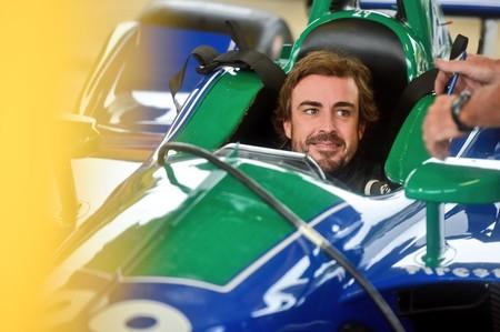 Fernando Alonso vuelve a medirse en un Indycar antes de decidir sobre su futuro
