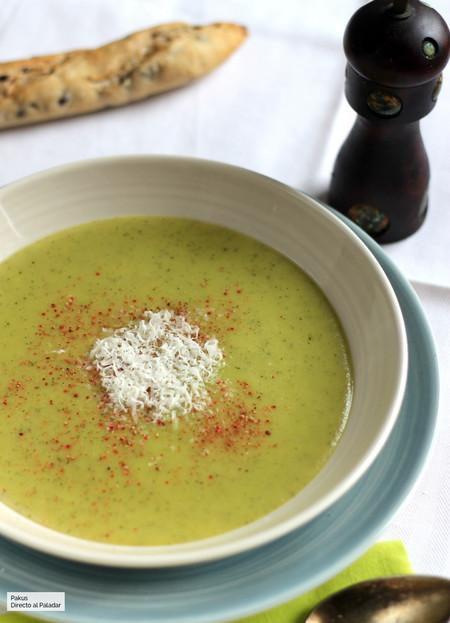 Crema de calabacín, una receta ideal para una cena saludable