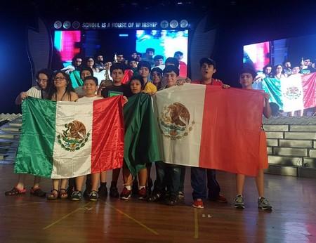 Estudiantes mexicanos de primaria y secundaria destacan en Competencia Internacional de Matemáticas en la India