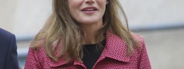 La reina Letizia repite abrigo en menos de 15 días (aunque con este tiempo la entendemos perfectamente)