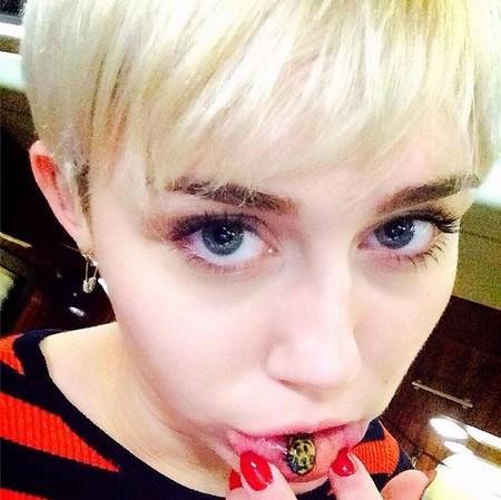 El último tatuaje de Miley Cyrus es una broma, ¿no?