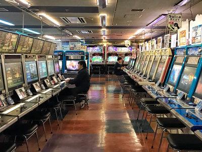 El último bastión del arcade: así son los salones recreativos de Akihabara, el barrio electrónico de Tokio