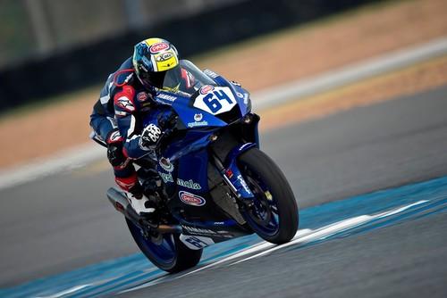 Federico Caricasulo se lleva la victoria en una loca carrera de Supersport