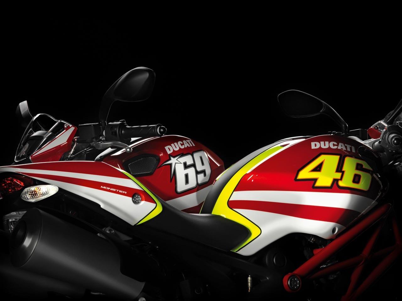 Foto de Ducati empieza a rentabilizar a Valentino Rossi (1/6)