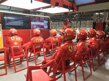 Ferrari Mecanicos Barein 2019