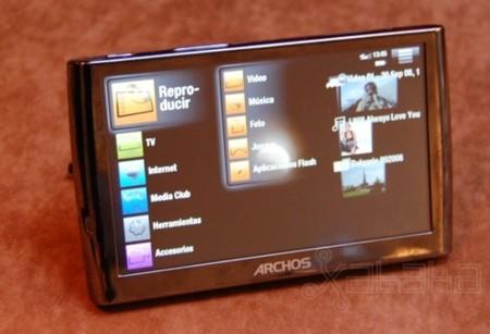 Archos prepara un dispositivo con Android que combina reproductor y teléfono