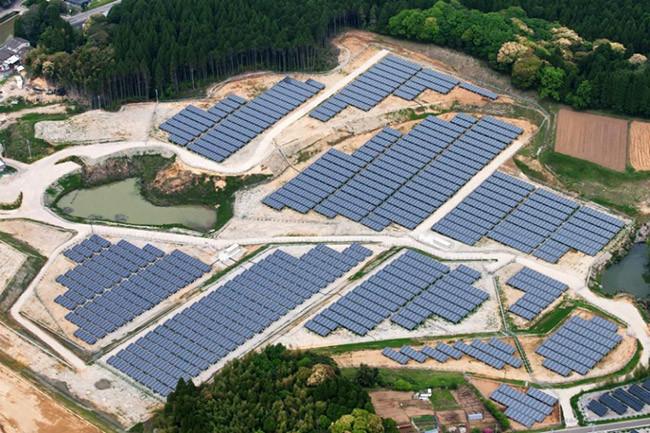 Japón está haciendo de sus campos de golf vacíos viveros de energía solar
