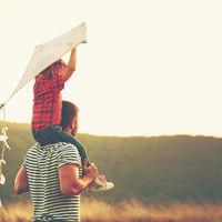 El padre trata de manera diferente a las hijas que a los hijos