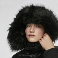 Escapada a la montaña: looks invernales para no pasar frío y lucir con estilo
