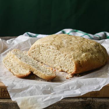 Pan casero sin horno: cómo seguir disfrutando de la panadería cuando más aprieta el calor (y once recetas para practicar)